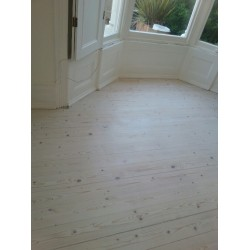 DC008 kit (c). Faxe Universal Lye & Faxe Colour Oil Extra White floor kit, 16 to 35m2 Work by hand.    (DC)