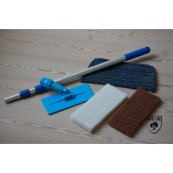 Kit Saving: DC176 Doodlebug lye and oil applicator (doodlebug, its handle, white pad, beige pad and a scrub mop head) (DC)